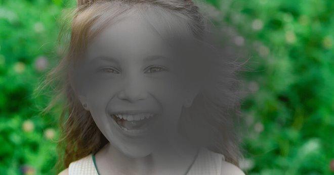 Mắt bị ruồi bay có thể gây giảm thị lực nghiêm trọng nếu không trị kịp thời